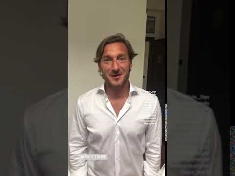 VIDEO - Totti scherza con Borriello: