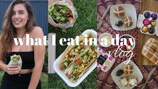 WHAT I ATE IN A DAY VLOG + VEGAN EASTER EGG TASTE TEST