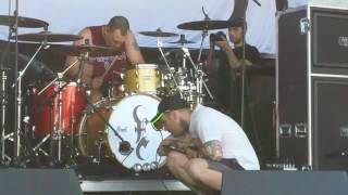 Emmure - Smokey [Live]