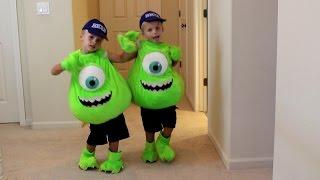 Kids 72 Costume Runway Show