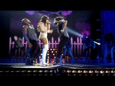 Baixar Introdução / Não Para / Menina Má - DVD Anitta (HSBC Arena)
