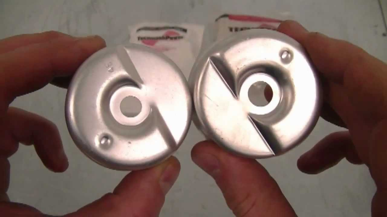 Two Commonly Used Tecumseh Carburetor Bowls And Part