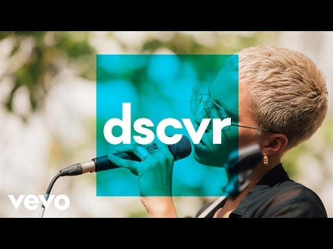 Poppy Ajudha - Love Falls Down (Live) - Vevo dscvr @ The Great Escape 2017