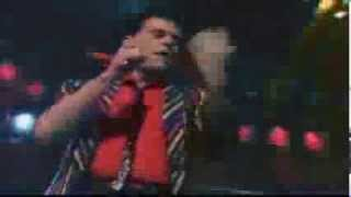 KC and the Sunshine Band - Give It Up