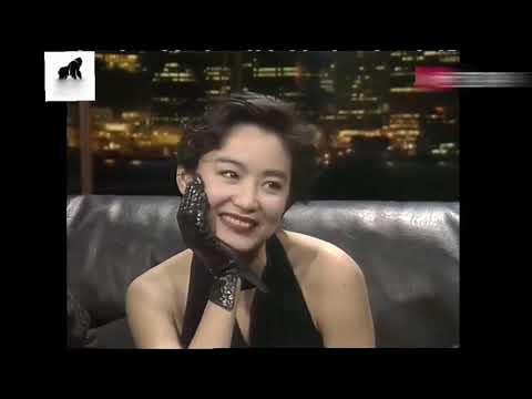 林青霞在訪談中一直維護秦漢,那時的她認定了他