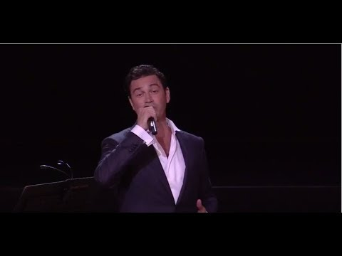 See Mario Frangoulis Live in Concert in New York, NY November 6th, 2017 at the Rose Theatre in Lincoln Park and in Los Angeles at the Wilshire Ebell Theatre on November 11th, 2017.