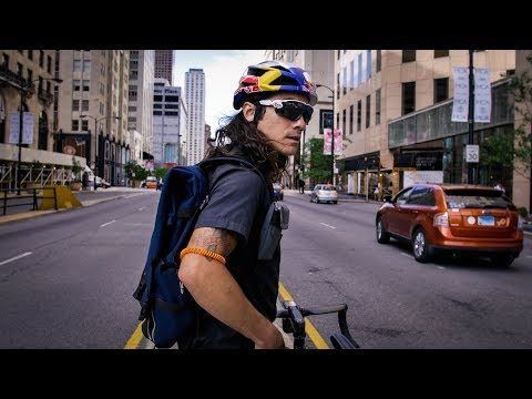 Meet Chicago's Most Hardcore Bike Messenger