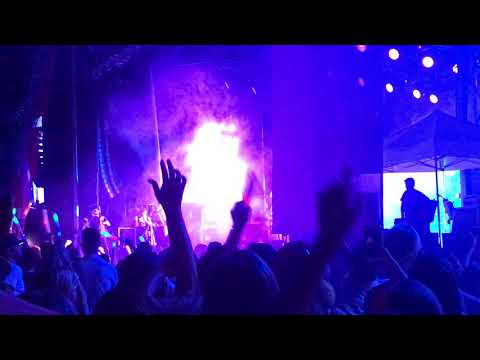 Imagine Dragons Cries During Demons Love Loud 2017 1:40