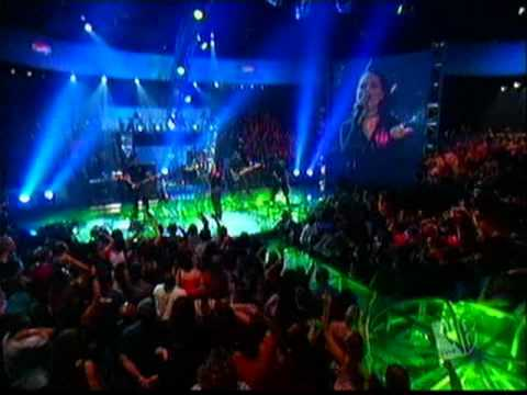 Baixar Evanescence -  Live at Pepsi Smash (Going Under & Bring Me To Life)