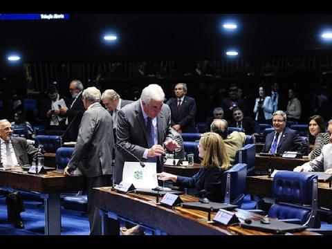 Senadores iniciam discussão da PEC que simplifica exigências tributárias para as pequenas empresas