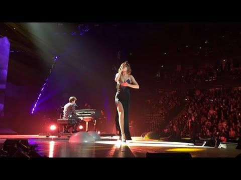 REVIVAL Tour - We Don't Talk Anymore / Charlie Puth ft Selena Gomez