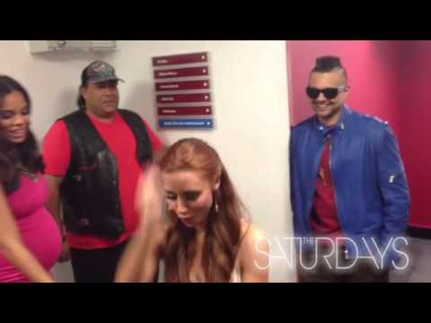 Baixar Alan Carr & Sean Paul... Alongside the Saturdays! (2012 Flip Videos)