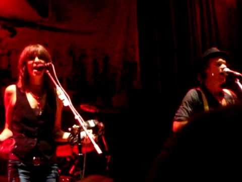 JP, Chrissie & The Fairground Boys - Christmas Soon @ HOB Anaheim 10/27/2010