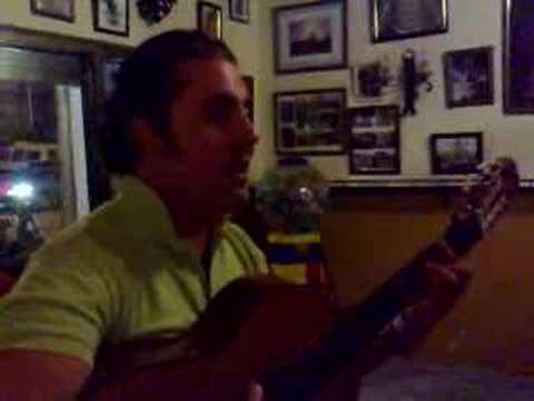 Franci cantando sevillanas