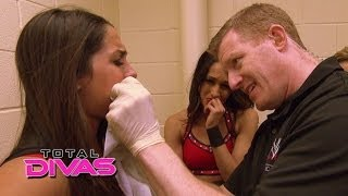 Nikki Bella loses her tooth in a match: Total Divas, March 23, 2014