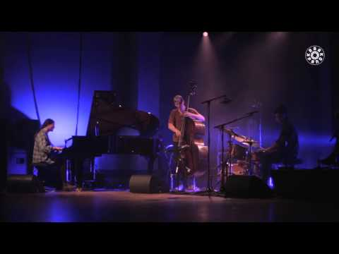 Moskus - Salmesykkel - Kraakpand, Handelbeurs Concertzaal, 05/10/2013 online metal music video by MOSKUS
