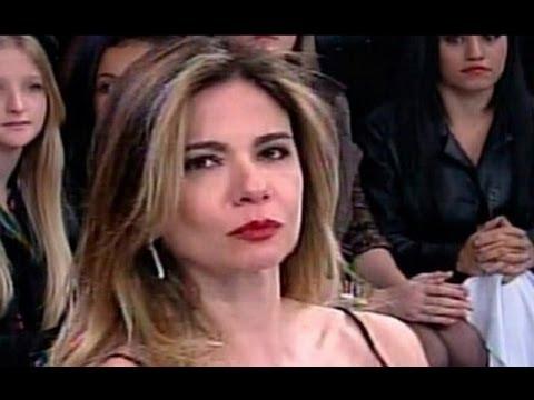 Momento exato em que Luciana Gimenez desmaia no Super Pop [EXCLUSIVO]
