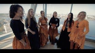 Latvian Voices - Zvīdzi Zvīdzi Sērmais Zirdzeņ (Latvian folk song)
