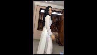 Bigo live Yến Xôi mặc Áo dài trắng nữ sinh nhảy khiêu dâm
