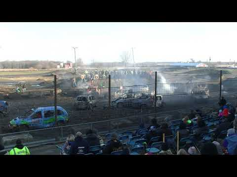 MINI VAN DEMO DERBY 2018 TRI COUNTY