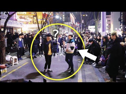 구경하던 남학생이 비트박스 공연중 난입해 놀라운 즉흥 댄스 ㄷㄷ