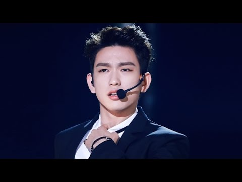 JINYOUNG (Park JinYoung, GOT7) - Sexy Moments