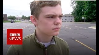 The teenagers running for governor in Kansas - BBC News