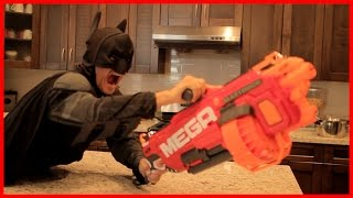 Nerf War: BATMAN vs JOKER 7! Superhero Battle!