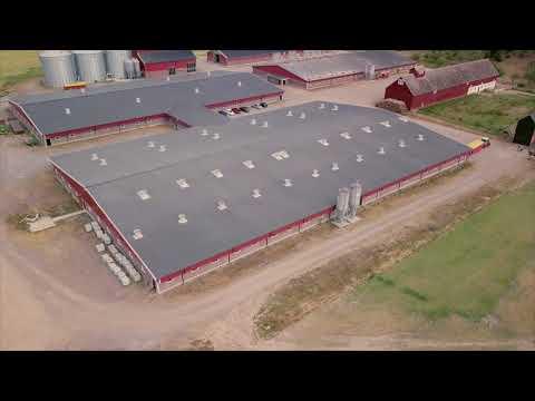 Se Holmsbergs gård från ovan