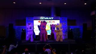 Flashback! My Little Pony Mane 6 dance the Cafeteria Song at Toy Expo 2018