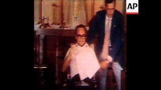 SYND 07/07/72 ALABAMA GOVERNOR WALLACE RECITES A PSALM IN THE CHAPEL OF THE HOLY CROSS HOSPITAL