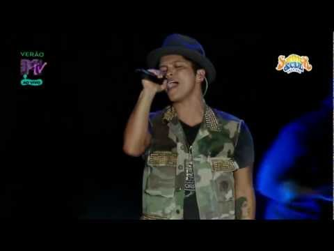 Baixar Bruno Mars - Talking To The Moon (Summer Soul Festival 2012)