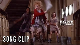 """ANNIE (1982) - """"It's The Hard Knock Life"""" Full Clip"""