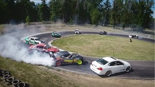Khi 12 chiếc xe drift cùng lúc