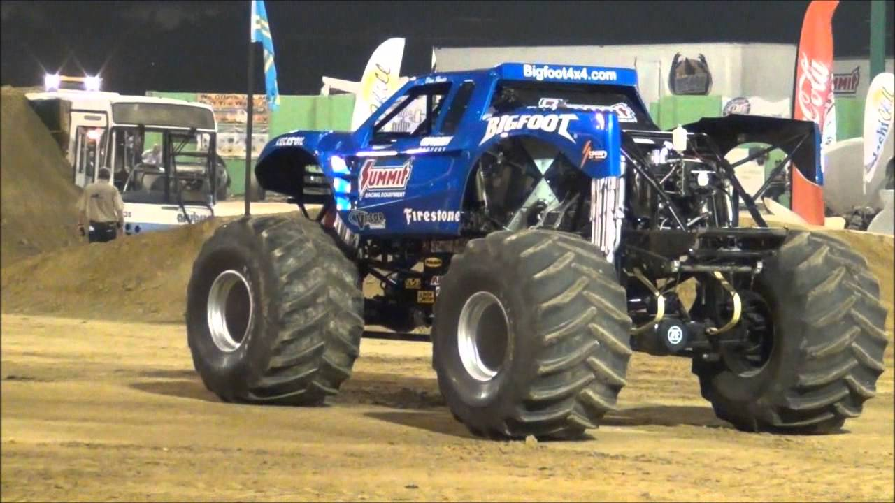 Monster Trucks in Aruba - YouTube