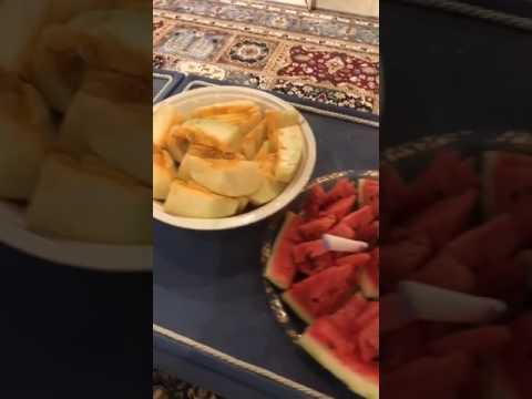 القطريون يحتفلون بوصول