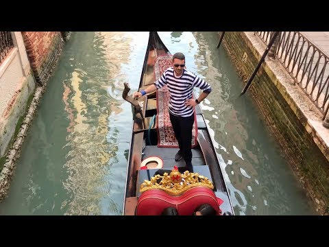 Gondolas: A Timeless Venetian Tradition photo