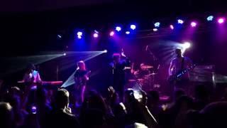 Crvena Jabuka - Hej zivote, umrijet cu nocas od ljepote (Live in Melbourne 11.11.2016.)