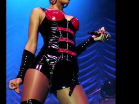 Baixar Rihanna - Disturbia [Sweet Dreams RMX]