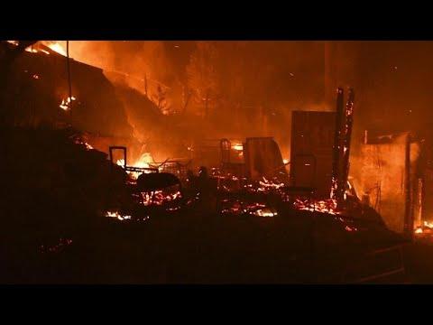 Tűz egy bezárásra ítélt szamoszi menekülttáborban