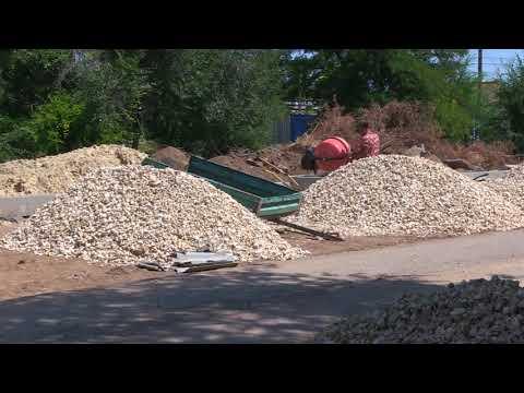 В Быково ведутся работы по строительству автопарковки около ЦРБ