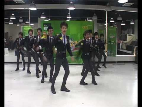 Boys' Generation |Cover SNSD::Thailand| - Genie @NOKIA Asian Cover Dance Contest 2010(25/03/2010)