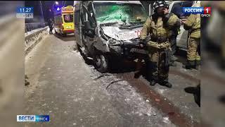 Семь человек пострадали в результате столкновения маршрутки и самосвала  на Ленинградском мосту