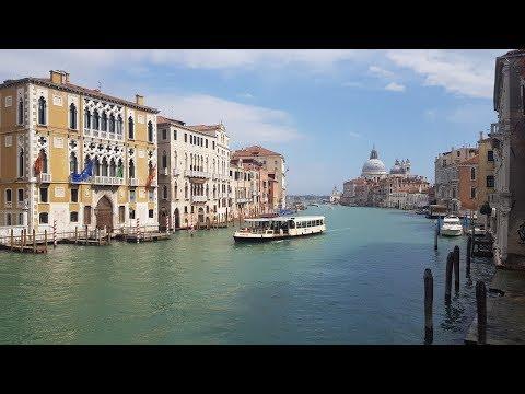 Венеция. Как дома стоят на воде? Цены на недвижимость. photo