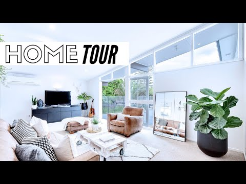 Video: Minimalist Home Tour 2019 | Minimalism Series