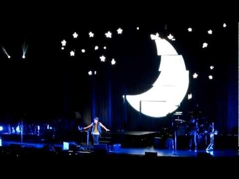 Baixar Bruno Mars Talking to the Moon performance