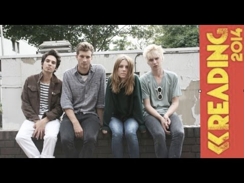 Sophie Eggleton Interviews Wolf Alice at Reading Festival