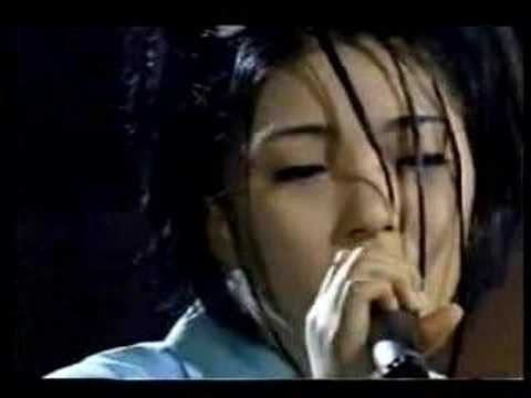 Bada singing Lee Sora's song