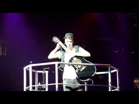 Baixar Justin Bieber sings Heartbreaker live