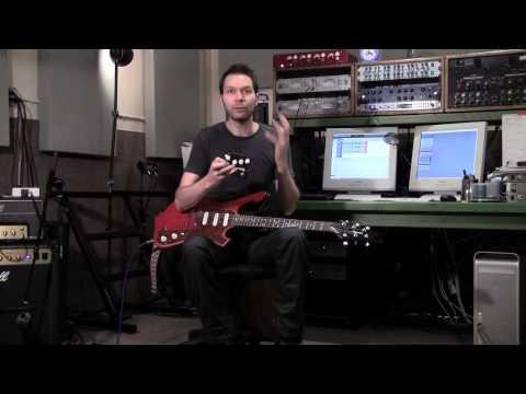 Paul Gilbert demonstrates his Majik Box Fuzz Universe pedal.